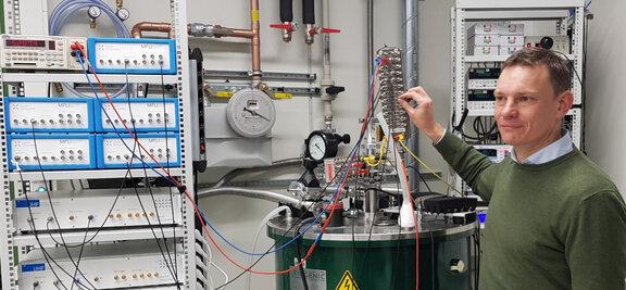 Prof. Christoph Stampfer, RWTH Aachen